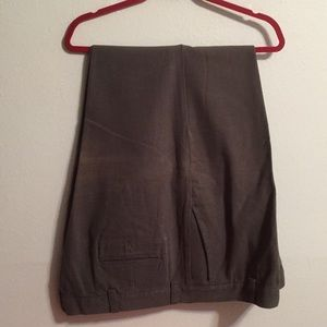 Dockers casual pants size 42-32 100% cotton
